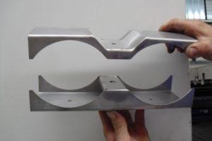Materiale AISI 304 Piegato, Saldato, Micropallinato.