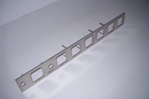 Mat. AISI 304 satinato puntatura posteriore perni filettati