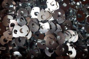 Lam 150-10 filettata zincata